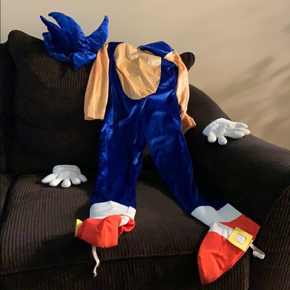 Costumes Sonic The Hedgehog Costume Boys Size 67 Poshmark